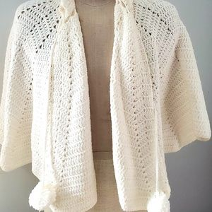 Vintage 1950s Women's Knitted Shawl.